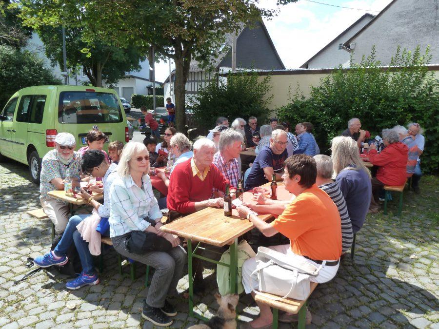 Hoffest auf dem Burgplatz in Vetzberg
