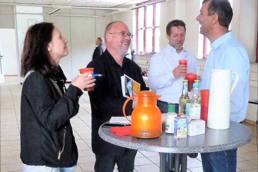 Michael Borke im Gespräch mit den Vertretern der heimischen  Presse